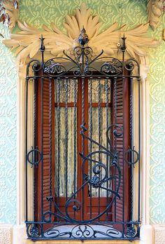 Casa Eloy Detouche   1909  Architect: Josep Masdeu i Puigdemasa