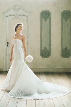 Astrid #NOVARESE #ノバレーゼ #weddingdress #lace #brand #CarolinaHerrera #NY