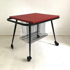 Meuble à platine vinyle #vintage #vintagestyle #vinyl #music #furniture #design #homedecor #home #love #beauty Original Vintage, Style Vintage, Kitchen Cart, Drafting Desk, Stool, Audio, Images, Inspiration, Furniture