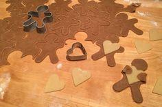 En småkagemand med hjerte - Bagvrk.dk Christmas Diy, Xmas, Gingerbread Cookies, Sweet Recipes, Cookie Cutters, Desserts, Food, Biscuits, Cookies