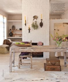 Great inspiration for a cool, light country house. Canadian House and Home, article about patricia larsen's home. Wabi Sabi, Rustic Chic, Modern Rustic, Rustic Barn, Rustoleum Countertop, Granite Countertops, Countertop Transformations, Canadian House, Style Rustique