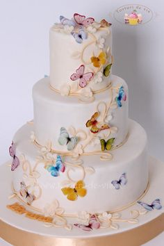 Christening cake with butterflies - Cake by Viorica Dinu
