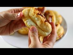 🤚GARANTİ VERİYORUM BU KADAR KOLAY MilFÖY POĞAÇA HİÇBİR YERDE GÖRMEDİNİZ🔝 - YouTube Hot Dog Buns, Feta, Tea Time, Tart, Oven, Muffin, Cooking Recipes, Bread, Breakfast