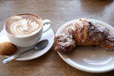 Imagem de food, coffee, and croissant