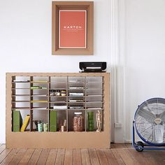 cardboard-shelves-cardboard-chair-framed-photo-white-walls-large-fan-folders-printer Are you looking for ideas for creative and eco-friendly furniture? Then browse through our 60 suggestions for charming cardboard furniture. Cardboard Chair, Diy Cardboard Furniture, Cardboard Crafts, Pallet Furniture, Cardboard Storage, Cardboard Boxes, Recycled Furniture, Unique Furniture, Furniture Making
