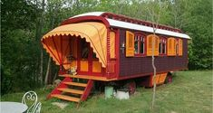 I thought these Gypsy Caravans created by Kees Hoekstra of Roulottes were pretty neat and would like to share them with you today. Kees has been building gyspy caravans since 1992 and was a graphic…