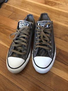 dfb67473194704 Charcoal and Black Unisex Converse Size 9 Men and Size 11 Women  fashion   clothing