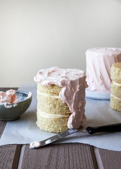 Creating the smooth, flawless buttercream finish you often find on professionally made cakes comes with practice. It also comes with the knowledge of a few insider techniques.These are three of the easiest ways we get that gorgeous finish on our layer cakes so that you look like the cake boss in your own kitchen.