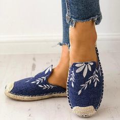 Load image into Gallery viewer, Women Fashion Embroidered Espadrille Flat Slippers Shoes Canvas Low Heel Daily Slip On Espadrilles, Casual Heels, Low Heels, Casual Wear, Flat Lace Up Shoes, Women's Shoes, Fall Shoes, Shoes Style, Shoes Tennis