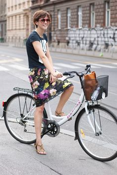Cycle Chic » Styletonezagreb                                                                                                                                                                                 More