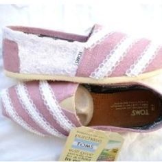 Pink+White Lace=pink and white lace toms