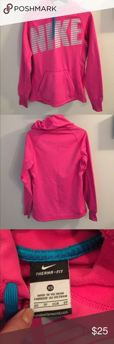 Hoodie Like new! Pink Nike thermal fit hoodie with thumb cut outs XS Nike Sweaters Crew & Scoop Necks