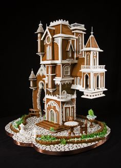 Omni Grove Park Inn Announces Winners of the 2016 National Gingerbread House Competition–Amazing Gingerbread Houses Gingerbread Castle, Gingerbread House Designs, Gingerbread Decorations, Christmas Gingerbread House, Christmas Cookies, Gingerbread Cookies, Hansel Y Gretel, Cookie House, Edible Art