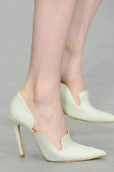 """Collezioni Accessori n.86 #EmilioDeLaMorena Focus on """"Less is More"""" #trend #fashion #accessories #shoes #heels #particular #shape #details #neutral #color #elegant #look #style #fashionshow #ss17"""