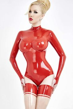 "latex-passion: ""Zlata in cherry-red """