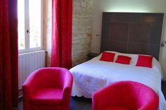Une décoration à la fois moderne et contemporaine #déco #chambre #room #hotel #masduterme #cosy