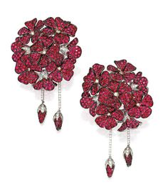 Lot 227 - PAIR OF 18 KARAT TWO-COLOR GOLD, SPINEL AND DIAMOND EARCLIPS, MICHELE DELLA VALLE