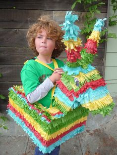 Halloween Was a {pinata} Smashing Success. Pinata Halloween Costume, Homemade Halloween Costumes, Halloween Books, Halloween Kostüm, Holidays Halloween, Diy Costumes, Costume Ideas, Twin Day, Mexican Party