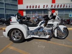 2005 Honda GL1800 Goldwing Champion Trike with Accessories