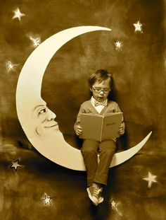 First off, the new issue of La Petite Magazine came out last week & it's a beautiful collection of inspiration. Paper Moon, Vintage Photographs, Vintage Images, Shoot The Moon, Moon Photos, Moon Photography, Good Night Moon, Kids Reading, Reading Room