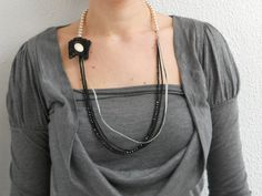 Free Shipping  Elegant cream and black beads vintage by IL2C, €28.00