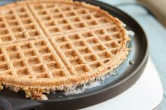 Flourless Crispy Flaxseed Waffles (grain-free, paleo, sugar-free, low-carb, keto + vegan) | Healthful Pursuit | Bloglovin'