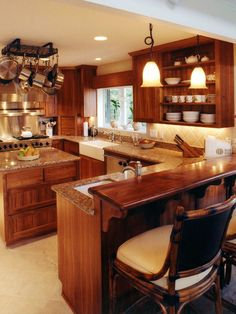 Trans-Pacific Design tropical kitchen - my dream kitchen, without the island :) Home, Home Kitchens, Kitchen Design Small, Tropical Kitchen Design, Kitchen Remodel, Kitchen Design, Kitchen Pictures, Tropical Kitchen, Kitchen Layout