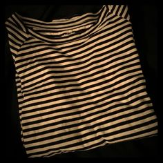 Kate Spade Saturday stripe top XS Worn a few times. Great black and white striped top kate spade Tops Tees - Long Sleeve