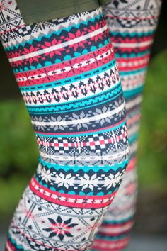 Red/Teal Nordic Flower Leggings | White Plum