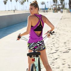 Get into the summer rhythm with an outdoor workout in our new Boas outfit! Cool back cutouts and a vibrant print will get you noticed! #outdoorexercise #workoutclothes