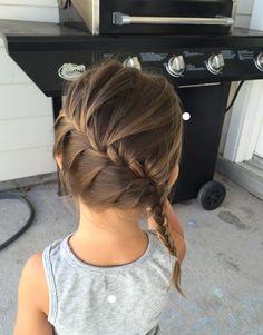 De 5 mooiste kapsels voor meisjes Toddler Girl Hair, Toddler Braided Hairstyles, Kid Hair, Toddler Braids, Girl Hair Dos, Baby Girl Hairstyles, Princess Hairstyles, Cute Hairstyles, Little Girl Fashion