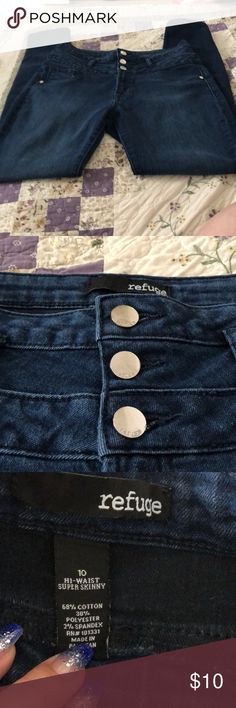 Refuge high waist super skinny jeans EUC no rips or stains... bundle and save.. no trades.. all offers considered.. Check out my closet refuge Jeans Skinny