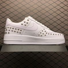 Women/Men Nike Air Force One XX Source by jmhmaxie force 1 stars New Air Force One, Air Force One Shoes, Air Force 1 High, Nike Air Force Ones, Mens Nike Air, Nike Air Vapormax, Nike Men, Buy Nike Shoes Online, Irving Shoes