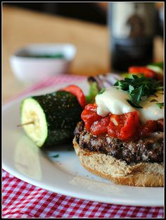 delicious pizzaburgers!! is just amazing the wide range of HEALTHY clean recipes we can do that are deliciousnessss instead of the delicious but artificial stuff we are always get into!!