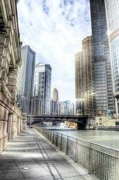Riverwalk in Marina City, Chicago, Illinois