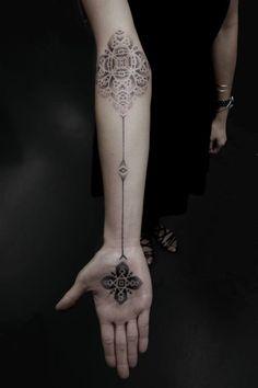 Geometrie sulla pelle: l'arte del tatuaggio giapponese