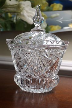 Crystal apothecary or candy dish with lid. Your guests will feel like they're getting the royal treatment when you serve them candy from this wonderful dish with its elegant crown design. Details: - M