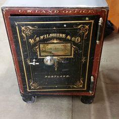 Antique Safe, Vault Doors, Banks Vault, Cash Box, Old Antiques, Vaulting, Locks, Westerns, Gate