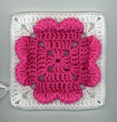 Vanecroche and patch: Square crochet heart with step by step