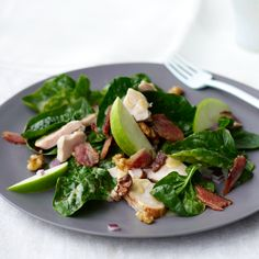 Chicken salad recipes, including spinach salad with smoked chicken, apple, walnuts, and bacon. Bacon Recipes Quick, Grape Recipes, Walnut Recipes, Lunch Recipes, Wine Recipes, Cooking Recipes, Healthy Recipes, Catering Recipes, Cheese Recipes