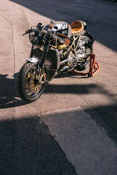Ducati Cafe Racer, Cafe Racer Bikes, Cafe Racer Motorcycle, Cafe Racers, Ducati S4r, Ducati Monster S4r, Cafe Racer Magazine, Custom Cafe Racer, Car Sketch