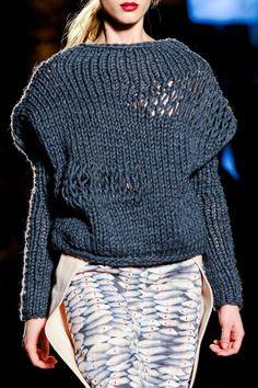 Next Generation at Milan Fashion Week Fall 2014 - Details Runway Photos Knitwear Fashion, Knit Fashion, Jean Anouilh, Knit Art, Knitting Wool, Casual Outfits, Fashion Outfits, Knitting Designs, Missoni