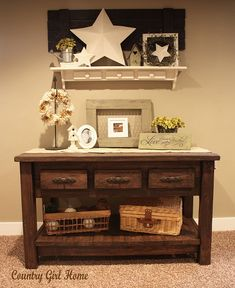 I love this homemade table!  It would make a great coffee table if shortened.