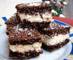 Traditional Cooking School Member Area - Dish up the simple joy of healthy, down-home foods your family will LOVE… tonight. Lemon Blueberry Bars, Home Food, Cooking School, Sugar Free, Dishes, Traditional, Healthy, Simple, Ethnic Recipes