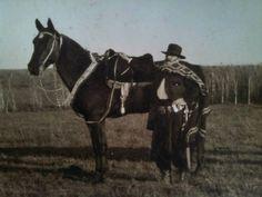 1920 - GUSTAVO MUÑIZ BARRETO - En su Estancia La Argentina. Horses, Animals, Places, Block Prints, Argentina, Antique Photos, Legends, Dragons, Art