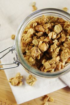Peanut Butter Granola {with Honey-Roasted Peanuts} ... so easy to make at home.  www.thekitchenismyplayground.com  #granola #peanutbutter
