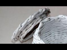 Крышка с бортиком. Плетение из газетных трубочек - YouTube Paper Weaving, Paper Crafts, Diy Crafts, Merino Wool Blanket, Diy For Kids, Handmade, Youtube, Origami, Videos