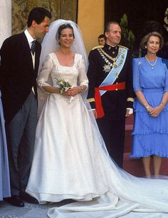 Famous Wedding Dresses, Royal Wedding Gowns, Royal Weddings, Wedding Bride, Royal Marriage, Style Royal, Spanish Royalty, Estilo Real, Spanish Royal Family