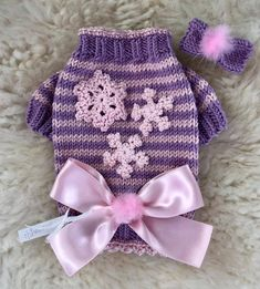 Lilac and Pink Snowflake Sweater & HairBow with Satin Bow and Little Fur Pompoms. Pet Fashion, Dog Clothing, Dog Sweaters, Dog Dresses, Satin Bows, Pet Shop, Chihuahua, Pet Dogs, Needlework