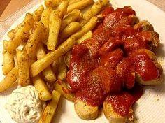 Currywurst - Soße: unfassbar lecker! Statt tabasco mit sriracha und Paprika Pulver 50:50 normal und geräuchert.